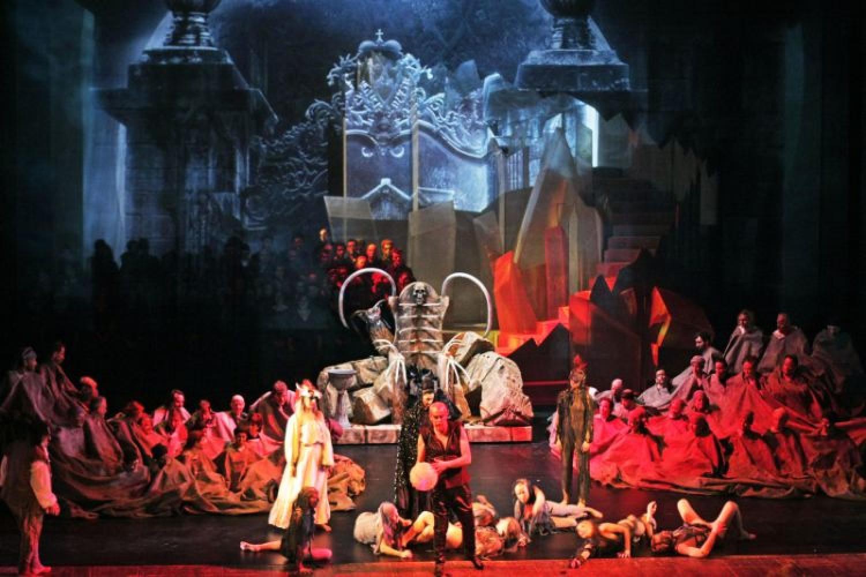 Don Giovanni inaugura la stagione invernale dell'Arena di Verona al Teatro Filarmonico