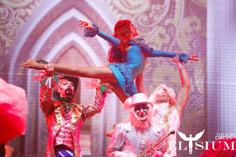 Alice in Wonderland: al Brancaccio debutta lo spettacolo circense del Circus-Theatre Elysium