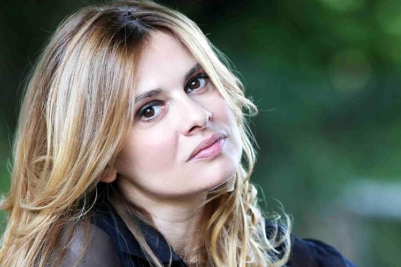 """Debora Caprioglio: """"Il teatro è la mia linfa vitale"""""""