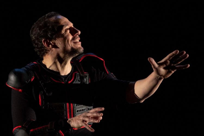 Stefano Accorsi è a teatro con l'Orlando Furioso