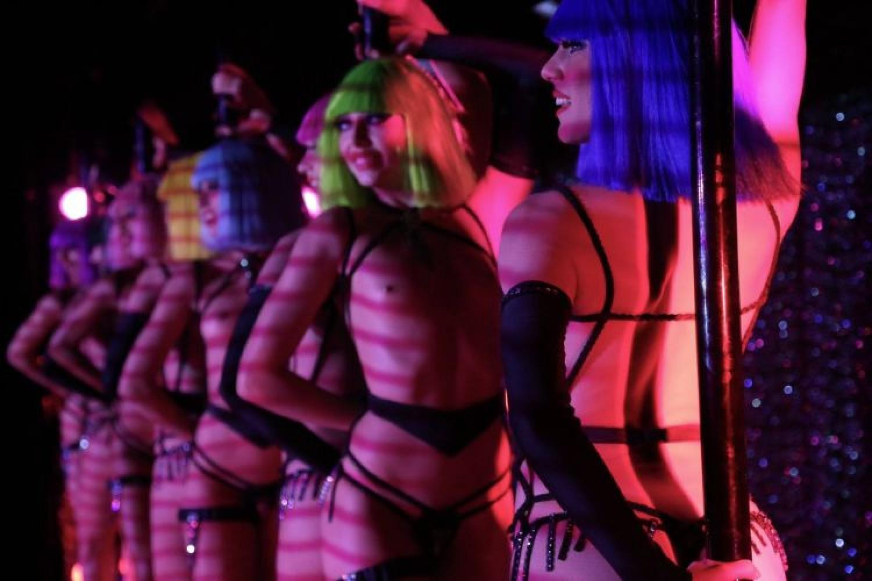 A Milano torna il Crazy Horse di Parigi