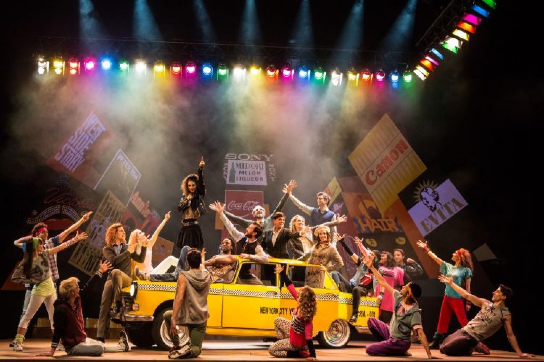 """L'energia di """"Fame"""" al Teatro San Babila: il musical invade il salotto milanese"""