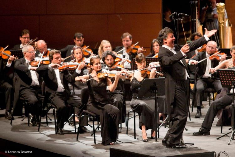 Guidare un treno o un'orchestra non è la stessa cosa: l'arte del direttore secondo Aldo Ceccato