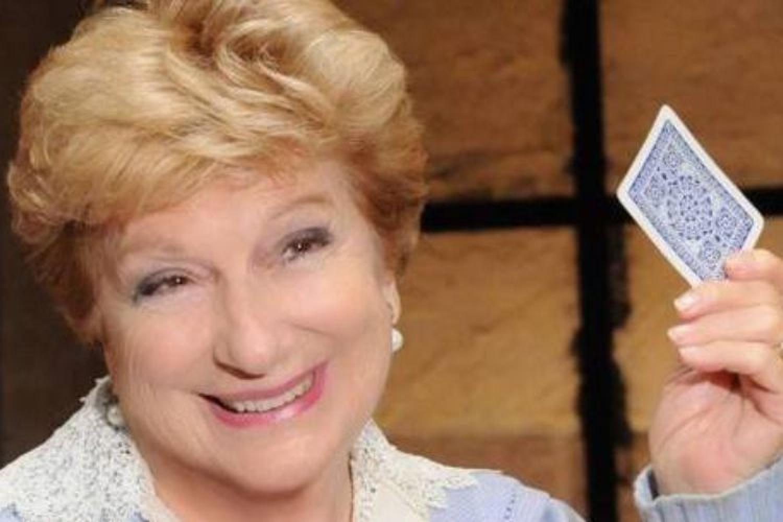 Addio a Valeria Valeri: 70 anni di eleganza sul palcoscenico