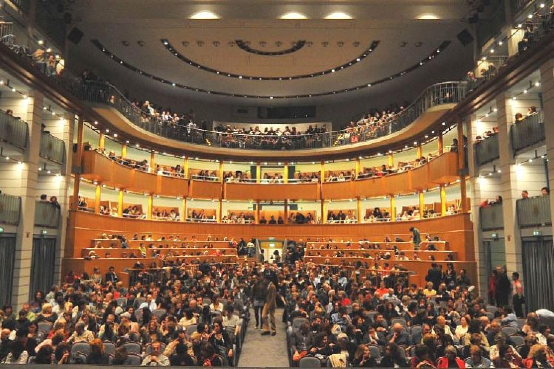 L'Arena del Sole come rete per la città di Bologna