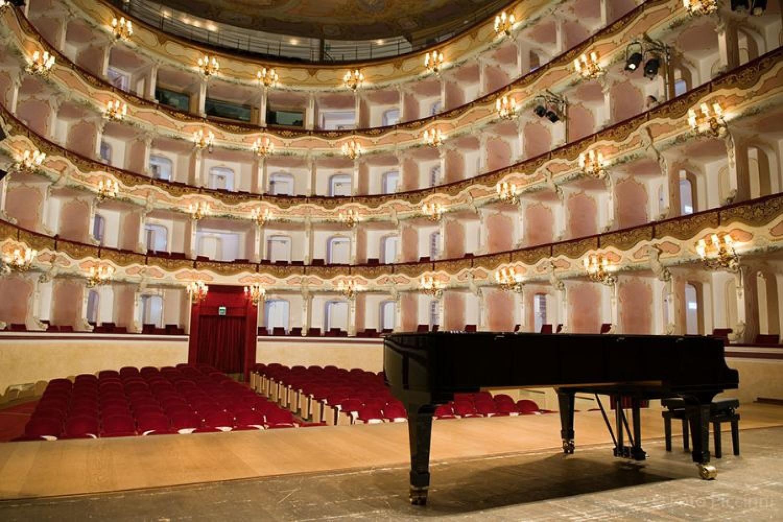 Il Teatro Comunale di Treviso riapre i battenti, sotto l'egida dello Stabile del Veneto