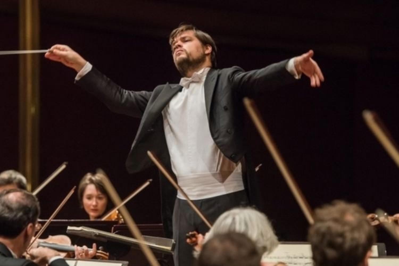Overture di stagioni: la musica a Napoli promette sorprese