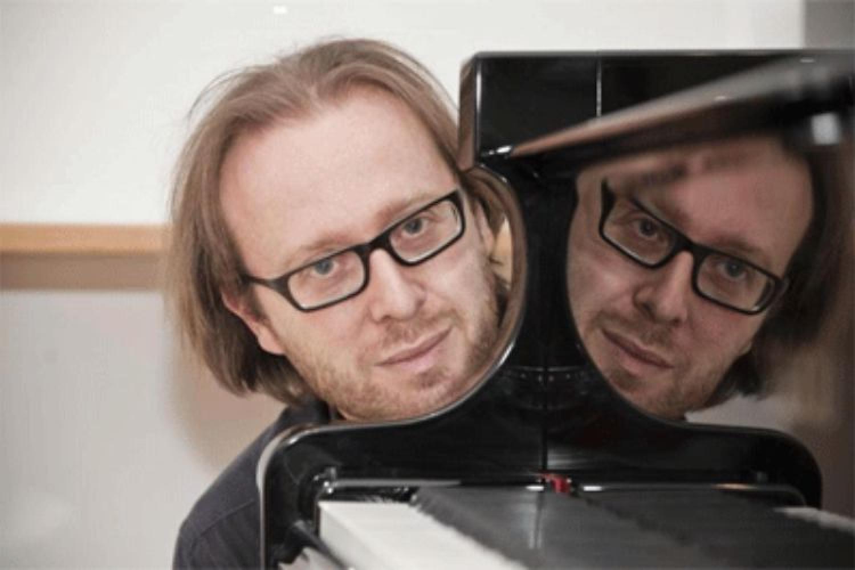 Dentro le note: il pianoforte di Roberto Prosseda è una guida all'ascolto