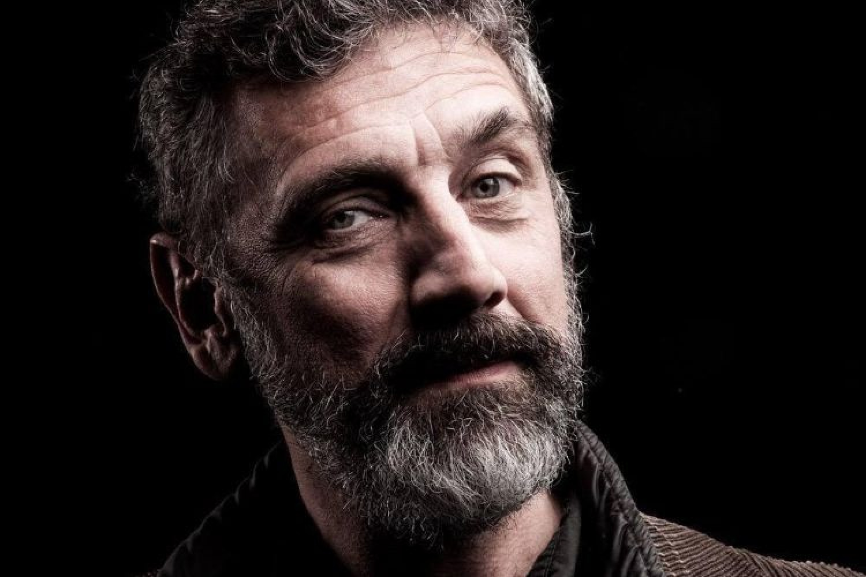 """Emanuele Conte: """"Il teatro è unione: questo ho imparato da mio padre"""""""