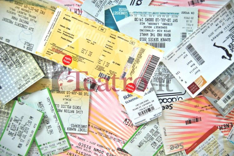 """""""Niente rimborso biglietti, solo voucher"""": la scomparsa dei gusti, per legge"""