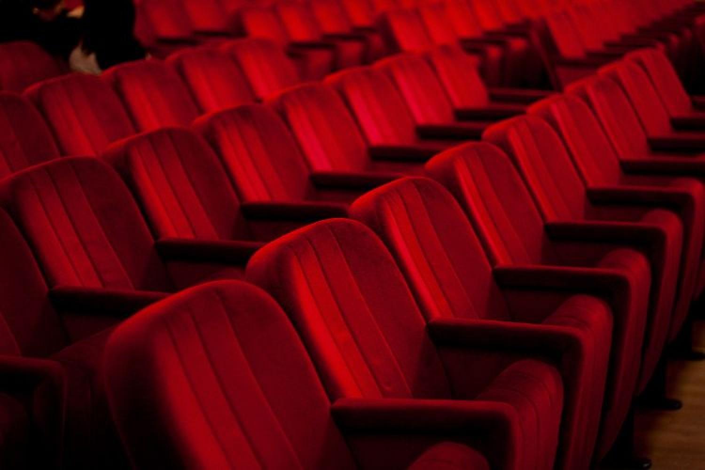 Lo spettacolo riparte davvero? Produttori e direttori di teatri privati rispondono su Teatro.it
