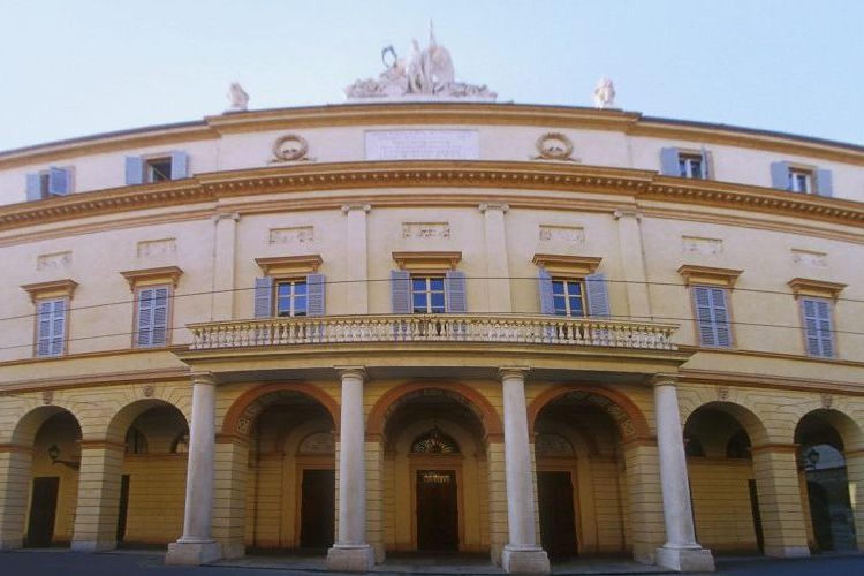 """Il Teatro Comunale """"Luciano Pavarotti"""" di Modena"""