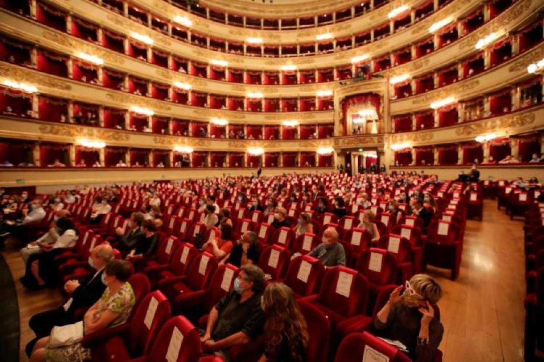 Per la prima volta in 100 anni il Teatro Alla Scala cancella la campagna abbonamenti