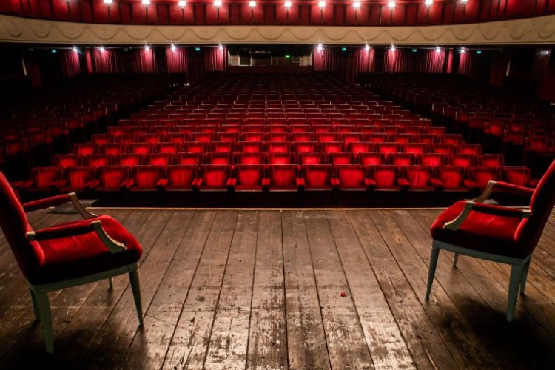 Ancora chiusi Cinema e Teatri: l'appello degli Assessori alla cultura