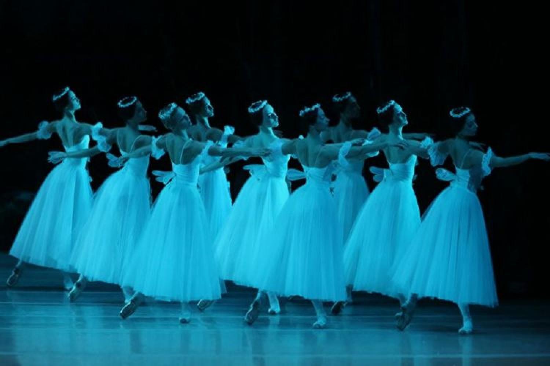 35 ballerini del Corpo di Ballo della Scala positivi al Covid 19