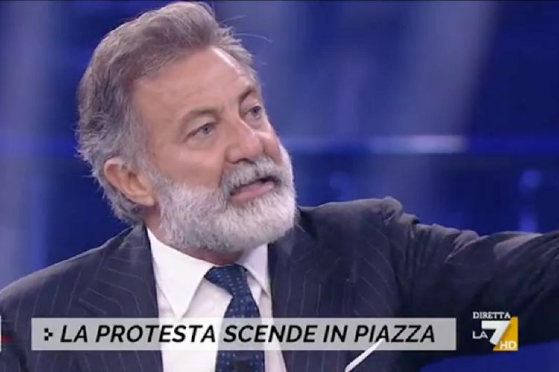 """Luca Barbareschi a """"Non è l'Arena"""" lancia pesanti accuse al settore Teatro: ATIP pretende chiarezza"""