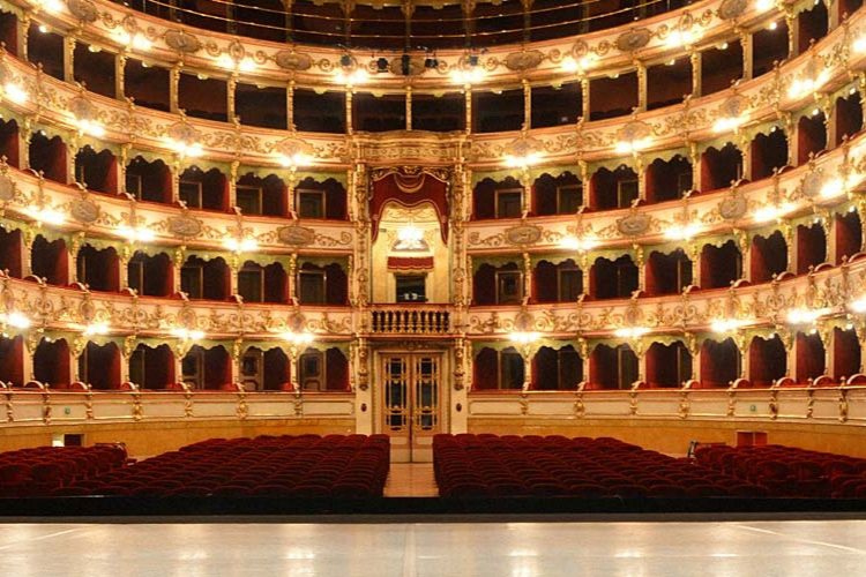 Al Teatro Grande di Brescia un autunno tra opera lirica, danza e musica (contemporanee)