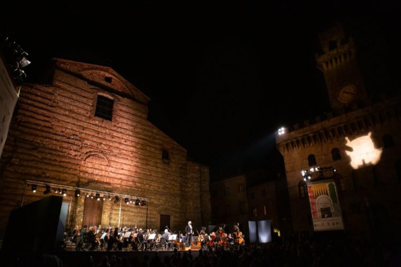 Markus Stenz e l'Orchestra della Toscana in Piazza Grande