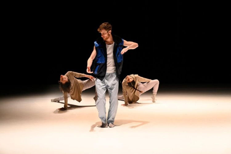 """La stagione '21/'22 di Scenario Pubblico: dalla danza alla """"maturità del pensare"""""""