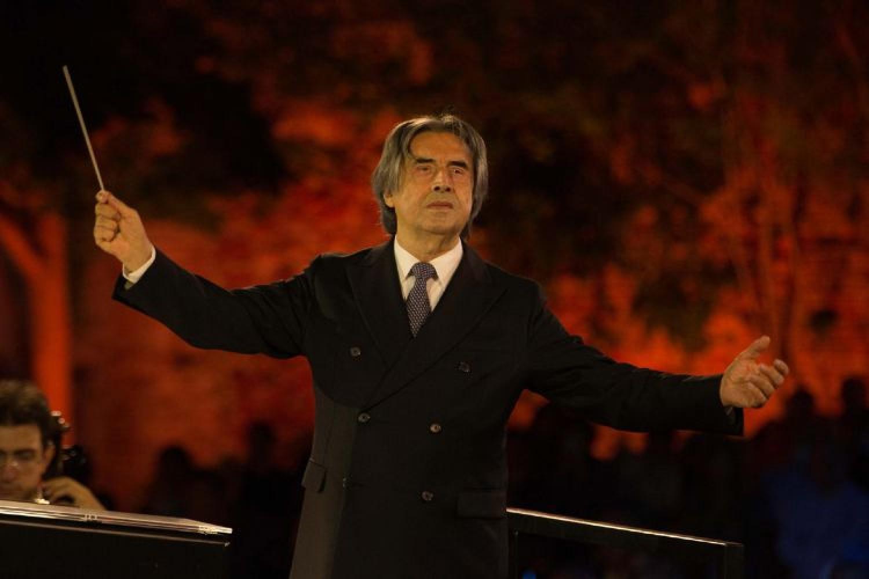Grande concerto per Riccardo Muti: un Dvořák dal tutto esaurito, fra pochi eletti e streaming