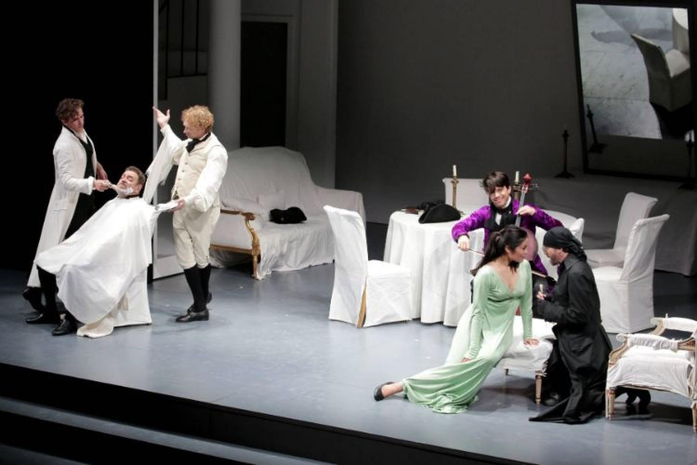 """""""Il Barbiere di Siviglia"""" di Pier Luigi Pizzi, uno spettacolo super classico per Rossini Opera Festival"""
