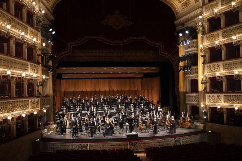 """Una platea immensa per """"Cavalleria rusticana"""": la stagione del Teatro San Carlo di Napoli si inaugura in streaming"""