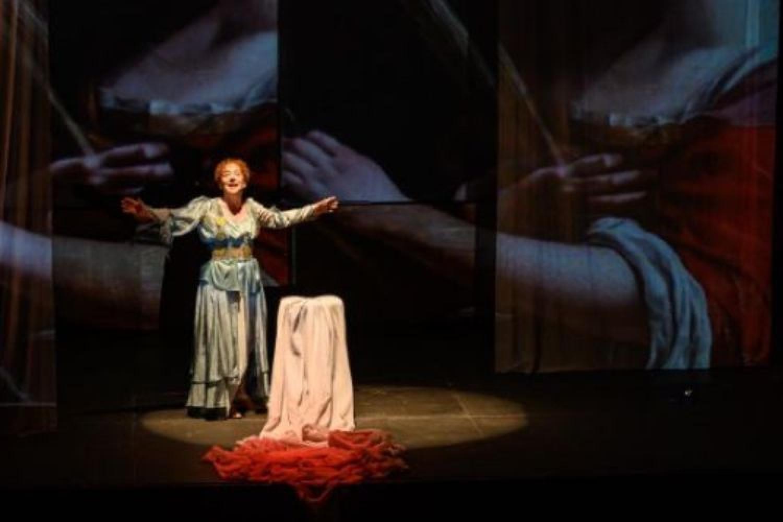 Laura Curino, le donne, l'arte e il coraggio