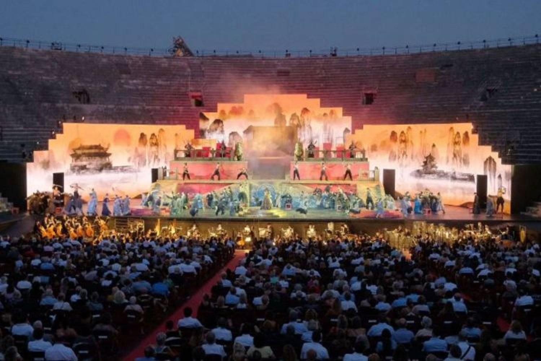 La Turandot di Anna Netrebko conquista l'Arena di Verona
