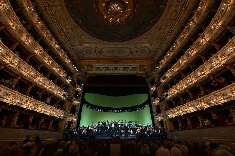 Daniele Gatti dirige un Requiem di grande spiritualità al Festival Verdi