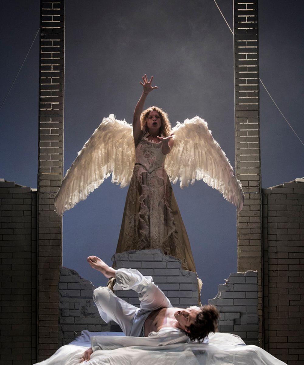 Angels in America parte I e II. Si avvicina il Millennio/ Perestroika