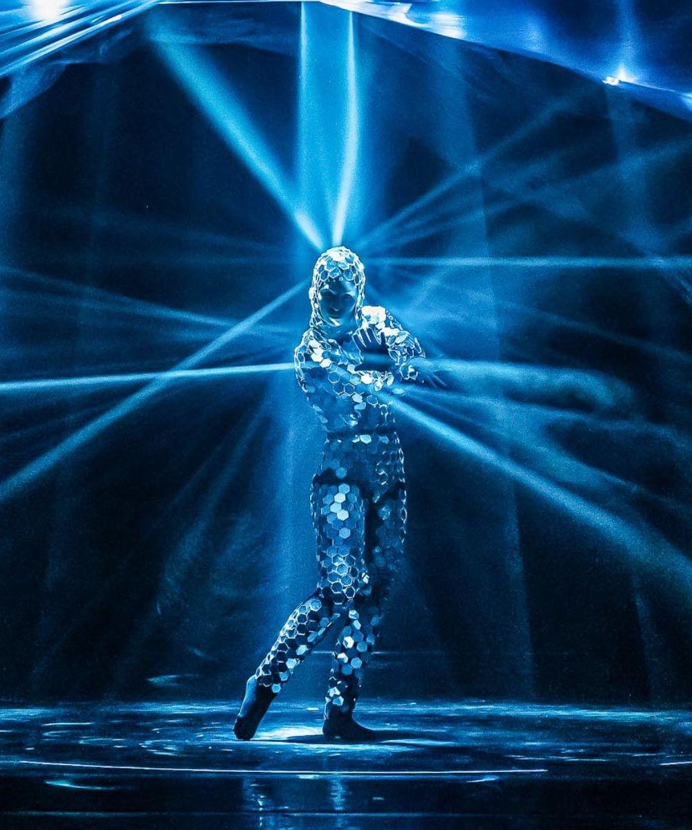 Blu Infinito - Evolution Dance Theatre