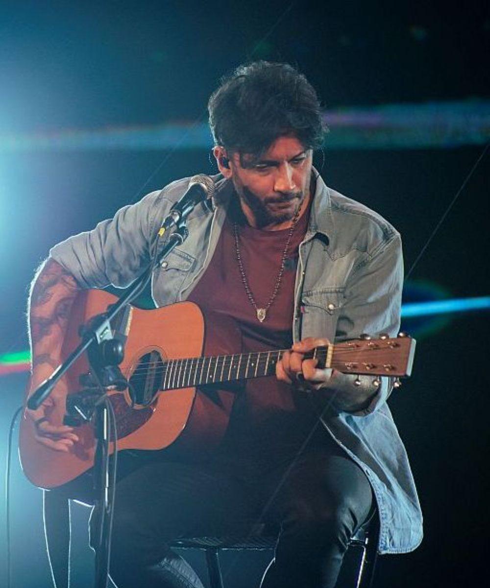 Fabrizio Moro: Canzoni nella stanza - percorso unplugged 2021