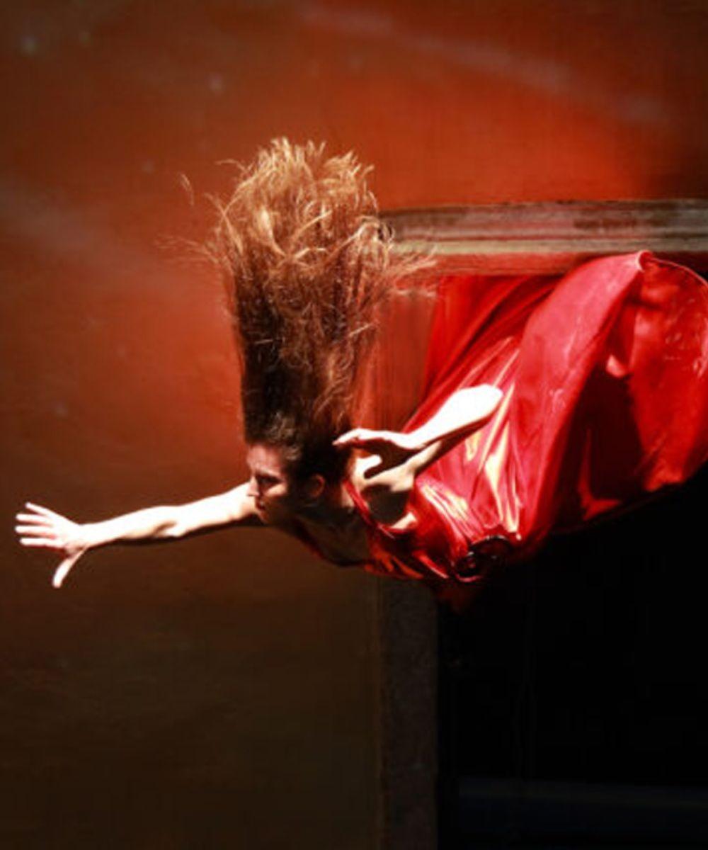 Stuck, Opera on the wall