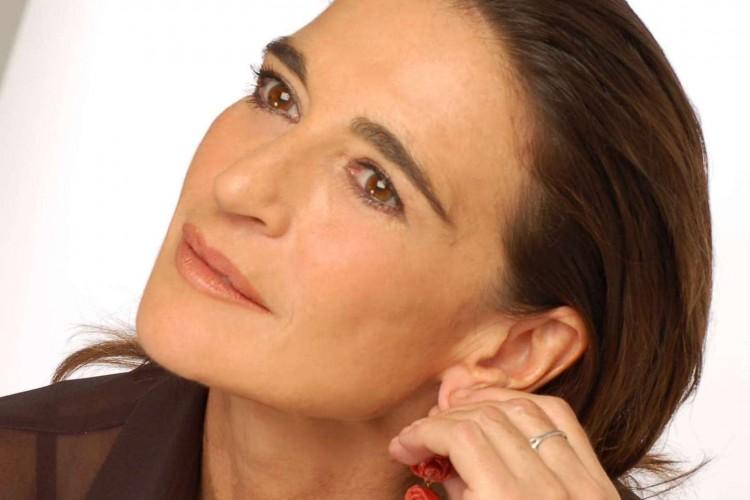 Lina Sastri si rivela in un libro-intervista