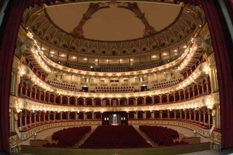 Teatro, una industria da 360 milioni di euro all'anno