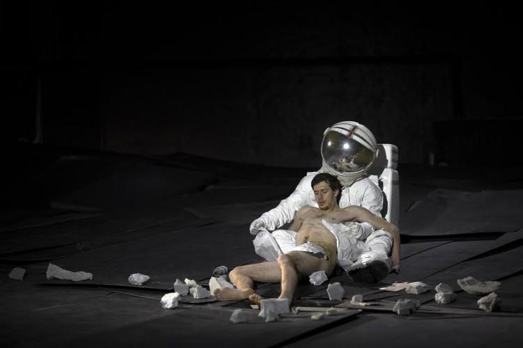 Le Arti, i corpi, gli scavi: Papaioannou ed il teatro di metamorfosi