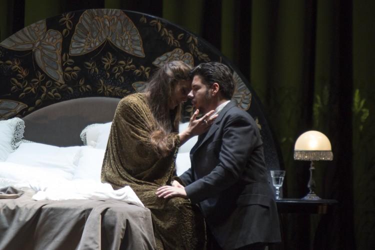 La Tosca e La Traviata da Palermo al Giappone