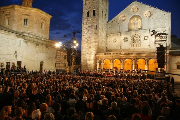 Via al Festival di Spoleto, 60 anni di giovinezza