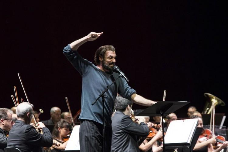 Amleto in voce e musica: Fabrizio Gifuni al San Carlo di Napoli