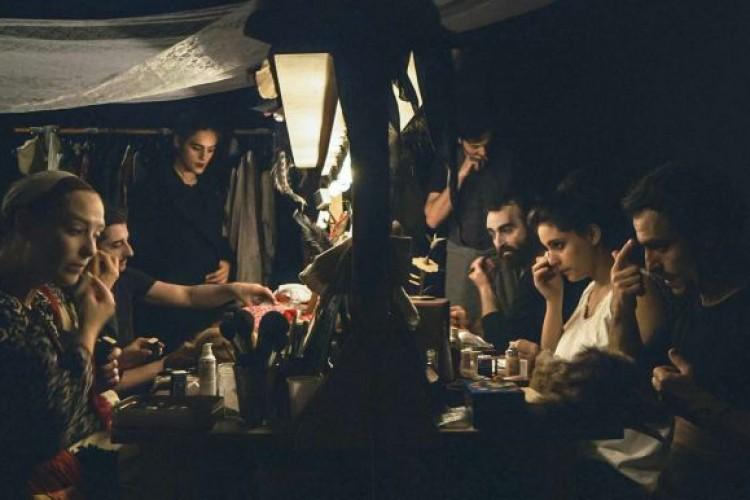 """""""Olmo e il Gabbiano"""": realtà, finzione e teatro nella pellicola inedita prodotta da Tim Robbins"""