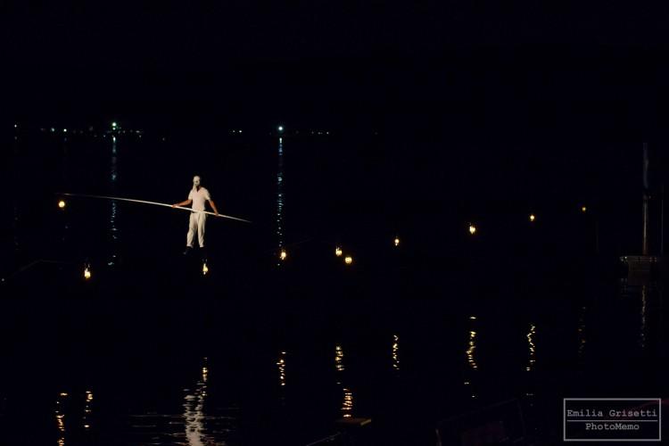 """""""La bellezza è un percorso"""": equilibristi sul lago di Arona"""