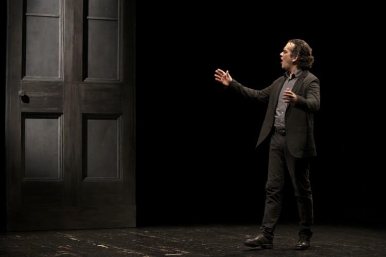 """Debutta """"Lo stronzo"""" al Teatro del Ponente di Genova"""