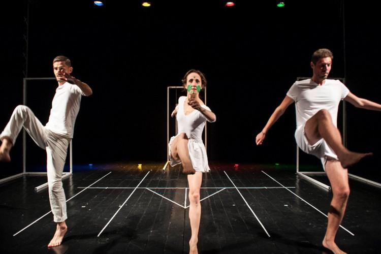 """L'uomo è giocatore. In scena Malmadur per """"In touch"""", rassegna di danza e teatro"""