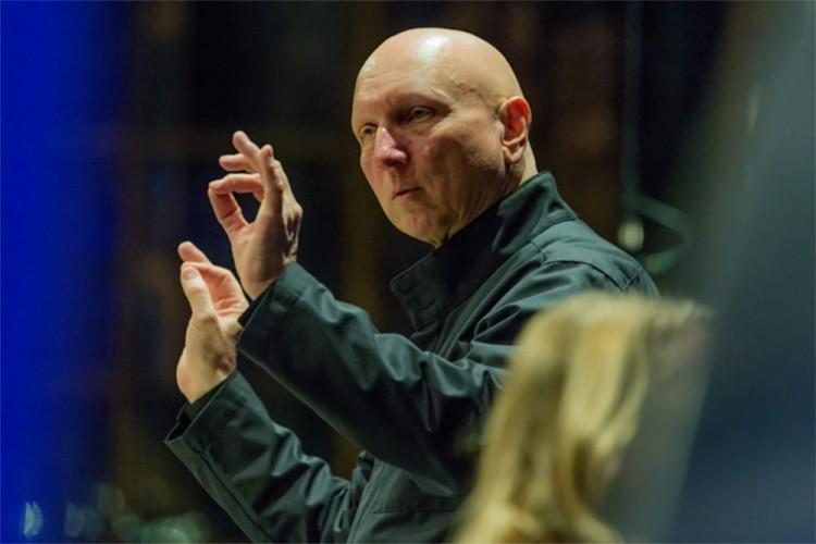 """""""Suono Vivaldi, Händel, Mozart, ma il mio cuore va a Bach"""". Ce lo confessa Diego Fasolis"""