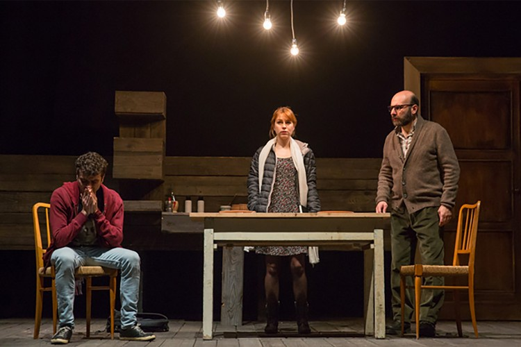Genova non scappa dai propri fantasmi al teatro dell'Archivolto