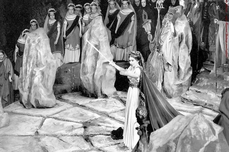 Le Opere dell'Ottocento commentate da Elvio Giudici, attraverso i DVD