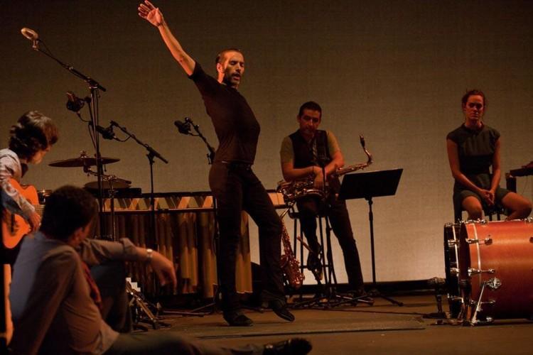 Israel Galvan trasforma e stravolge il Flamenco