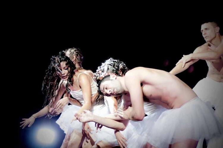 'Swan Lake reload' al Festival di Todi con la compagnia Oplas