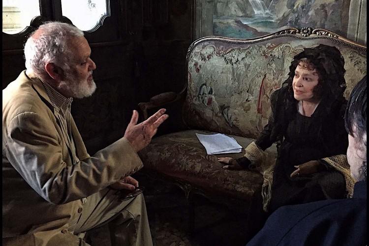 Adriana Asti è Donna Fabia: installazione con Signora