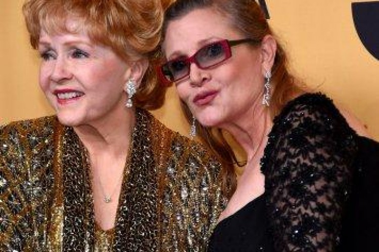 Hollywood perde anche Debbie Reynolds, madre di Carrie Fisher